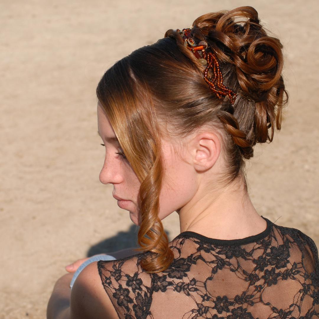 özel günler için saç modelleri