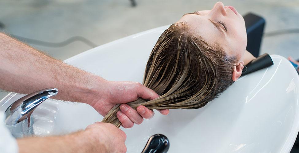 Hızlı Bir Şekilde Saç Uzatmanın Yöntemleri